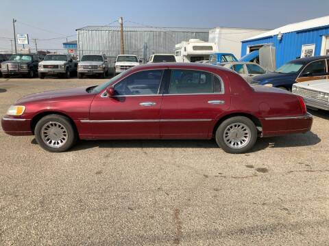 1999 Lincoln Town Car for sale at AFFORDABLY PRICED CARS LLC in Mountain Home ID
