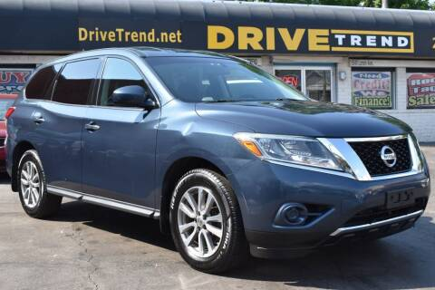 2014 Nissan Pathfinder for sale at DRIVE TREND in Cleveland OH