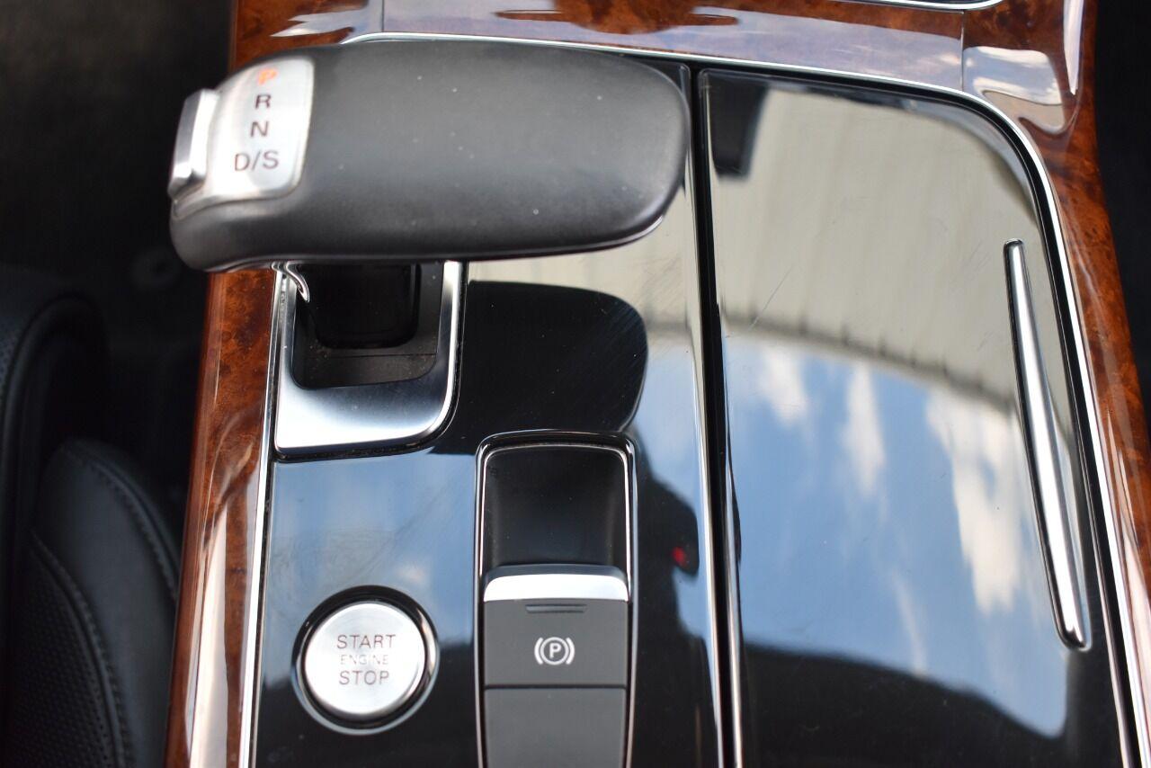 2012 Audi A8 quattro AWD 4dr Sedan full