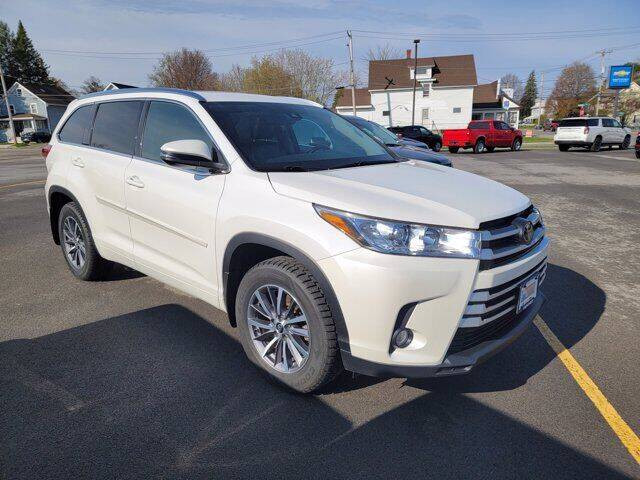 2017 Toyota Highlander for sale at Frenchie's Chevrolet and Selects in Massena NY