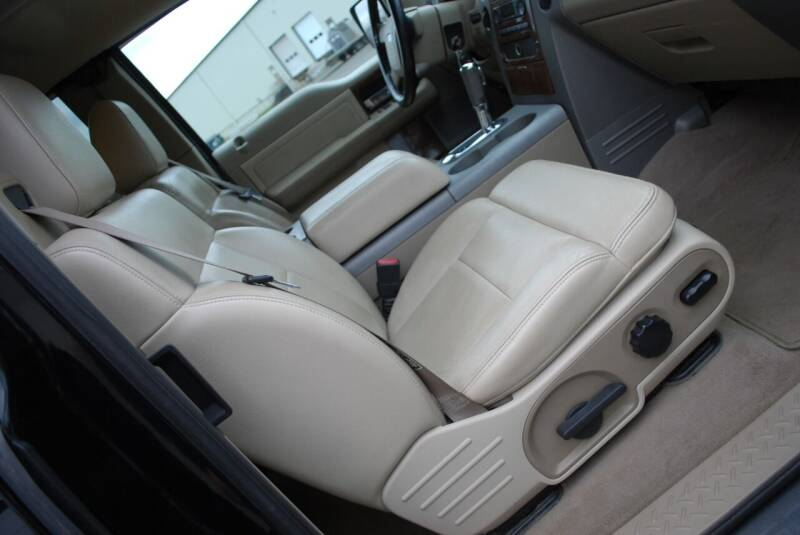 2004 Ford F-150 4dr SuperCab Lariat 4WD Styleside 6.5 ft. SB - New Milford CT