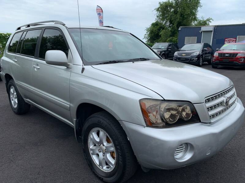 2003 Toyota Highlander for sale at TD MOTOR LEASING LLC in Staten Island NY