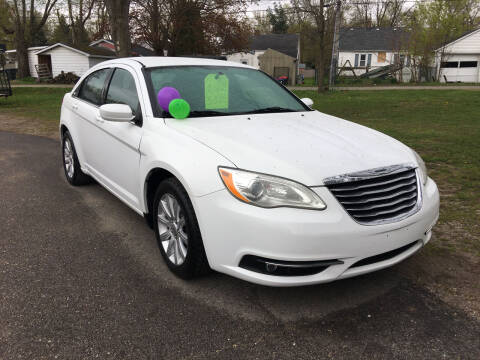 2012 Chrysler 200 for sale at Antique Motors in Plymouth IN