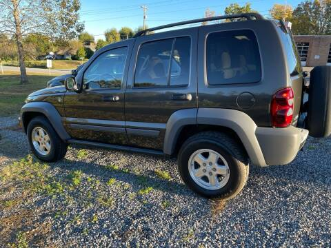 2005 Jeep Liberty for sale at Judy's Cars in Lenoir NC