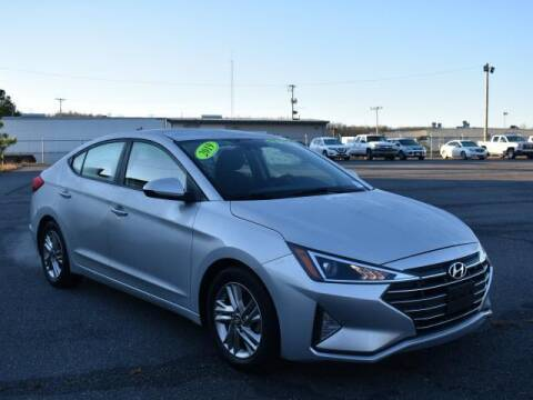2019 Hyundai Elantra for sale at DeAndre Sells Cars in North Little Rock AR
