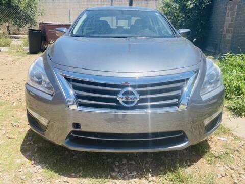2015 Nissan Altima for sale at MAGNA CUM LAUDE AUTO COMPANY in Lubbock TX