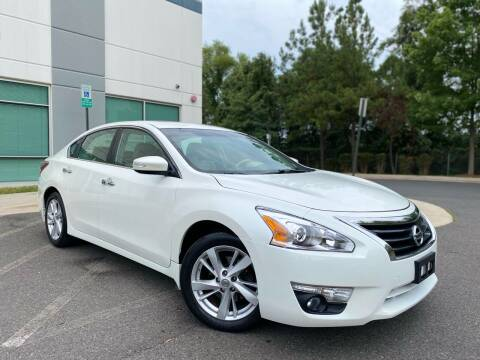 2013 Nissan Altima for sale at Super Bee Auto in Chantilly VA