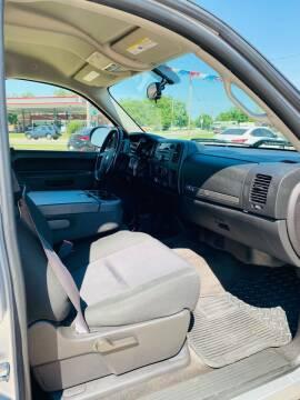 2012 Chevrolet Silverado 1500 for sale at Pioneer Auto in Ponca OK