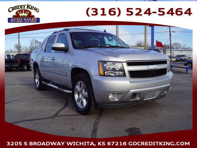 2013 Chevrolet Avalanche for sale at Credit King Auto Sales in Wichita KS