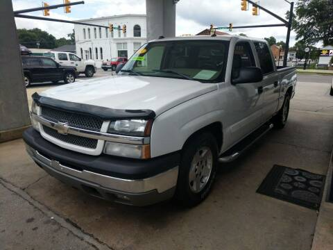 2005 Chevrolet Silverado 1500 for sale at ROBINSON AUTO BROKERS in Dallas NC