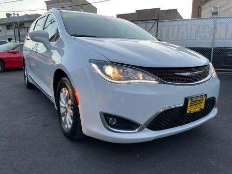 2018 Chrysler Pacifica for sale at South Street Auto Sales in Newark NJ