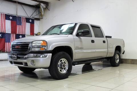 2004 GMC Sierra 2500HD for sale at ROADSTERS AUTO in Houston TX