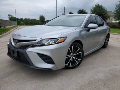 2018 Toyota Camry for sale at AUTO DIRECT in Houston TX
