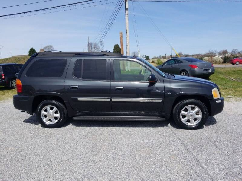 2005 GMC Envoy XL for sale at CAR-MART AUTO SALES in Maryville TN