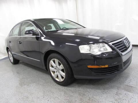2006 Volkswagen Passat for sale at MATTHEWS HARGREAVES CHEVROLET in Royal Oak MI