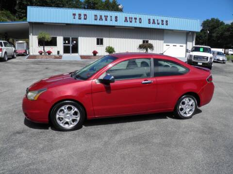 2009 Ford Focus for sale at Ted Davis Auto Sales in Riverton WV