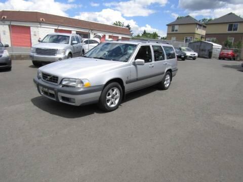 1999 Volvo V70 for sale at ARISTA CAR COMPANY LLC in Portland OR