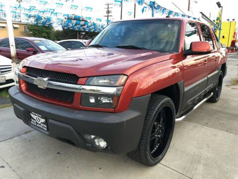 2003 Chevrolet Avalanche for sale at Plaza Auto Sales in Los Angeles CA