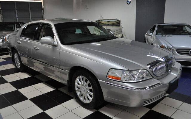 2007 Lincoln Town Car for sale at Podium Auto Sales Inc in Pompano Beach FL