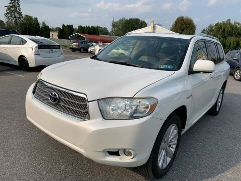2008 Toyota Highlander Hybrid for sale at Sam's Auto in Akron PA