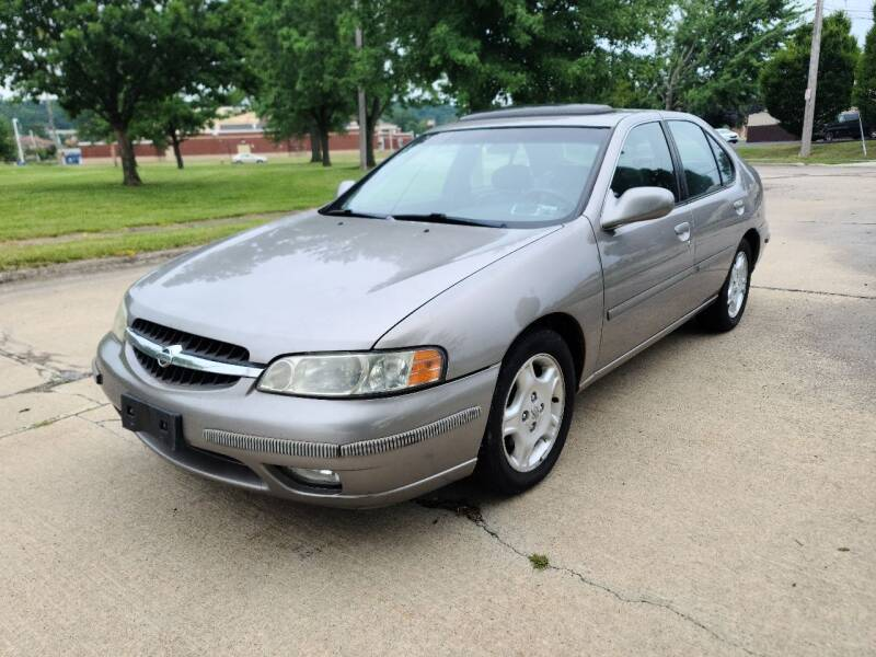 2000 Nissan Altima for sale at World Automotive in Euclid OH