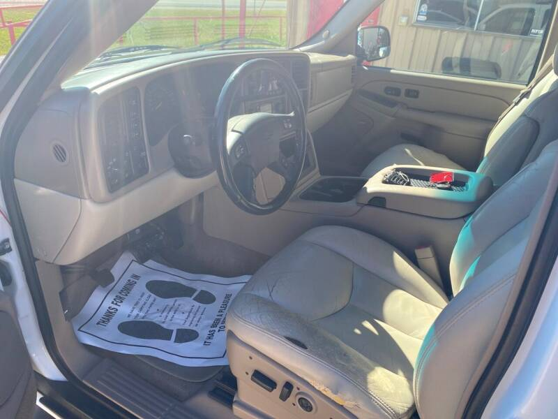 2005 Chevrolet Suburban 1500 LT 4WD 4dr SUV - Gainesville TX