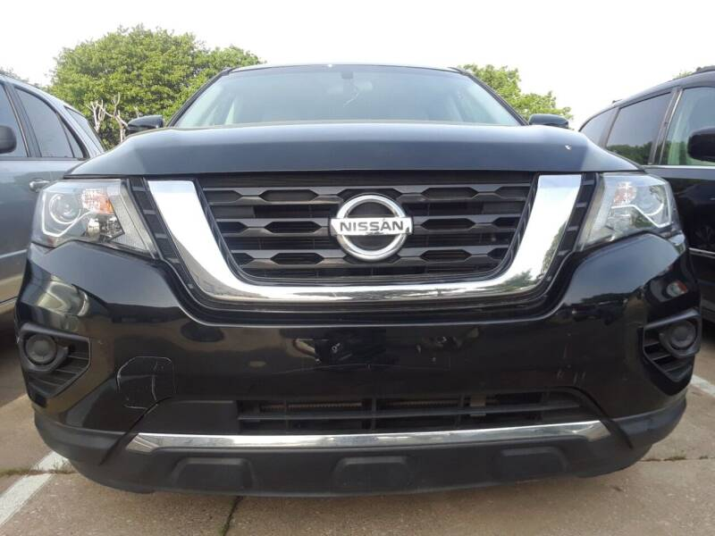 2017 Nissan Pathfinder for sale at Auto Haus Imports in Grand Prairie TX