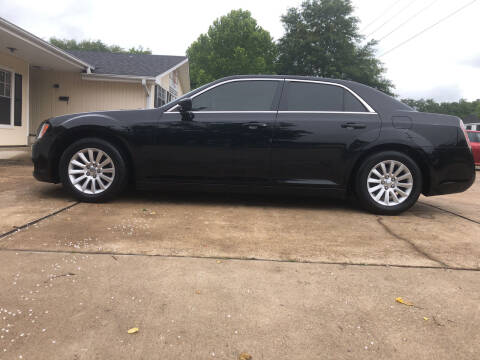 2013 Chrysler 300 for sale at H3 Auto Group in Huntsville TX