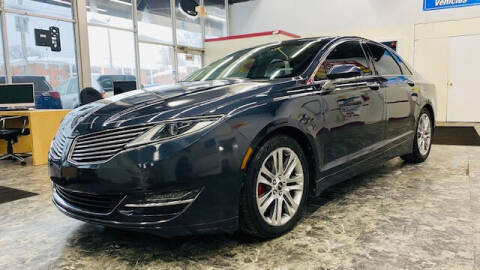 2013 Lincoln MKZ for sale at TOP YIN MOTORS in Mount Prospect IL