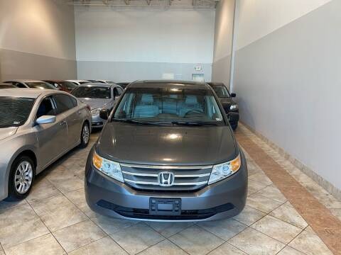 2011 Honda Odyssey for sale at Super Bee Auto in Chantilly VA
