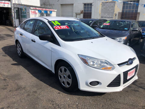 2014 Ford Focus for sale at Riverside Wholesalers 2 in Paterson NJ