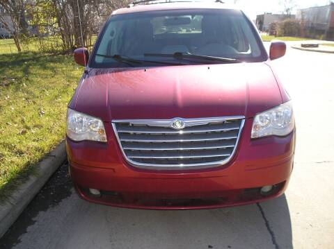 2009 Chrysler Town and Country for sale at ZJ's Custom Auto Inc. in Roseville MI