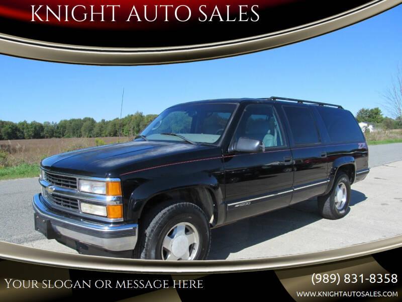 1999 Chevrolet Suburban for sale at KNIGHT AUTO SALES in Stanton MI