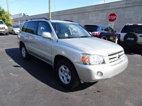 2006 Toyota Highlander for sale at DONNY MILLS AUTO SALES in Largo FL