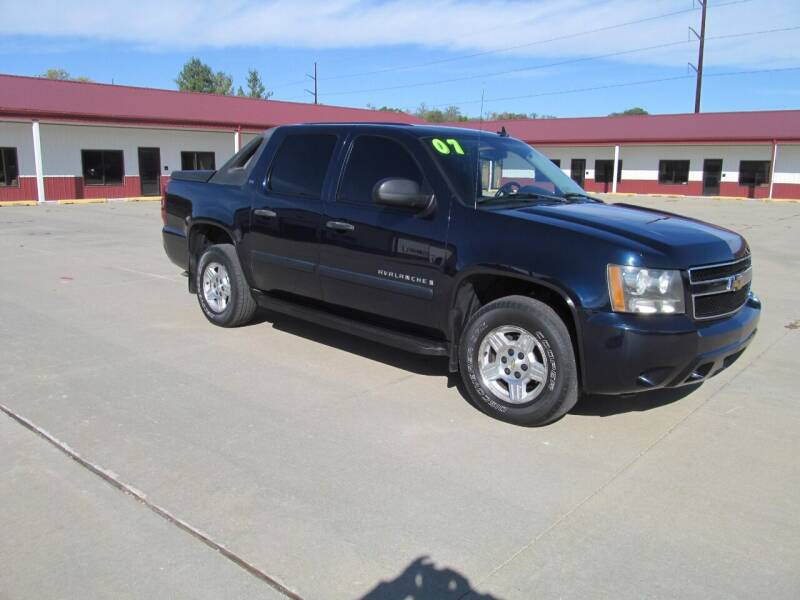 2007 Chevrolet Avalanche for sale at New Horizons Auto Center in Council Bluffs IA