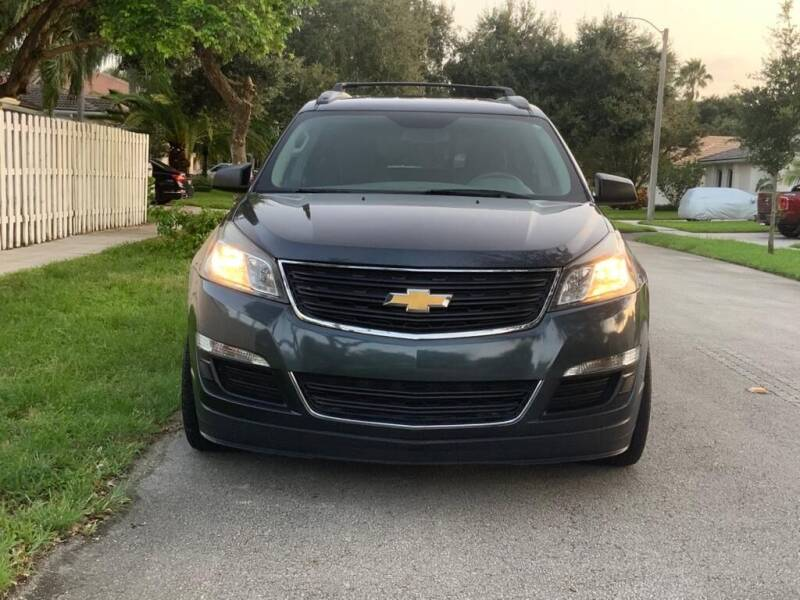 2014 Chevrolet Traverse for sale at UNITED AUTO BROKERS in Hollywood FL