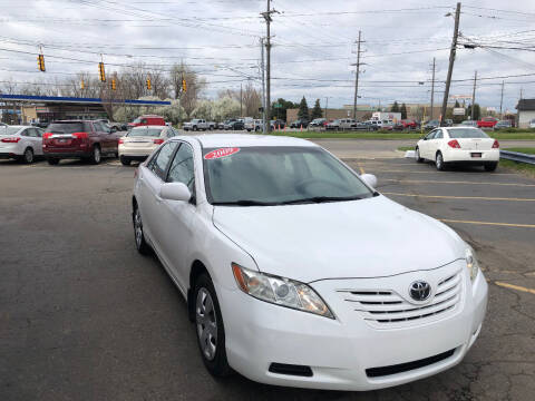 2009 Toyota Camry for sale at Drive Max Auto Sales in Warren MI