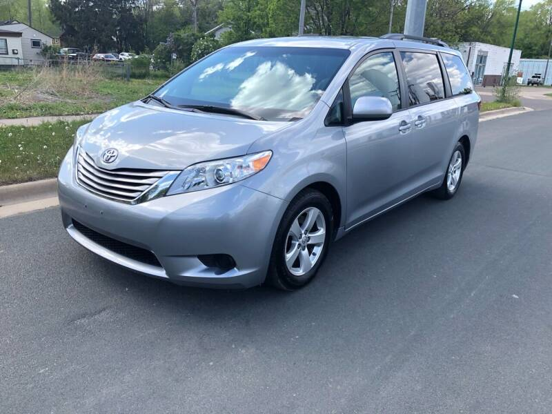 2015 Toyota Sienna for sale at ONG Auto in Farmington MN