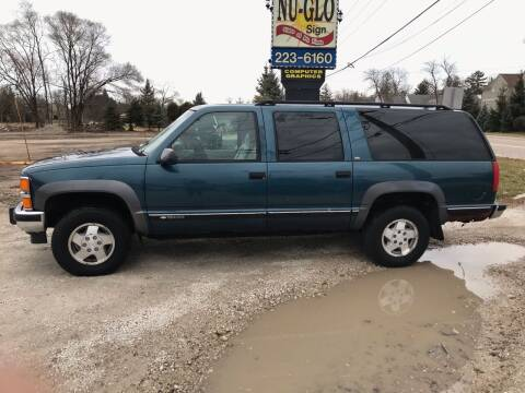 1994 Chevrolet Suburban for sale at GLOBAL AUTOMOTIVE in Gages Lake IL