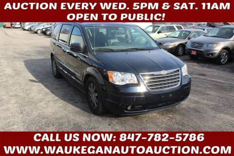 2009 Chrysler Town and Country for sale at Waukegan Auto Auction in Waukegan IL
