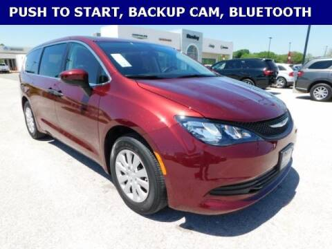 2020 Chrysler Voyager for sale at Stanley Chrysler Dodge Jeep Ram Gatesville in Gatesville TX