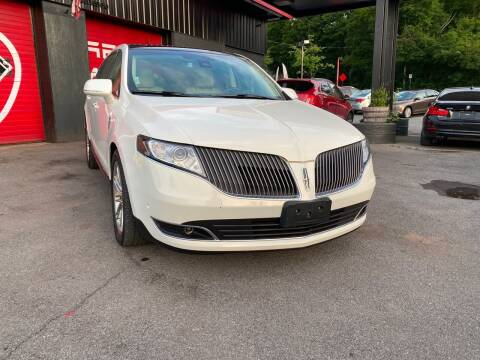 2014 Lincoln MKT for sale at Apple Auto Sales Inc in Camillus NY