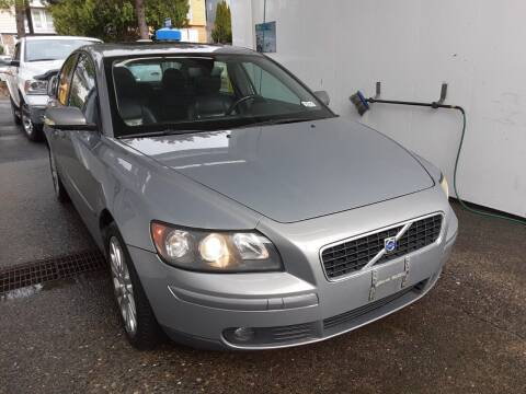 2005 Volvo S40 for sale at METROPOLITAN MOTORS in Kirkland WA