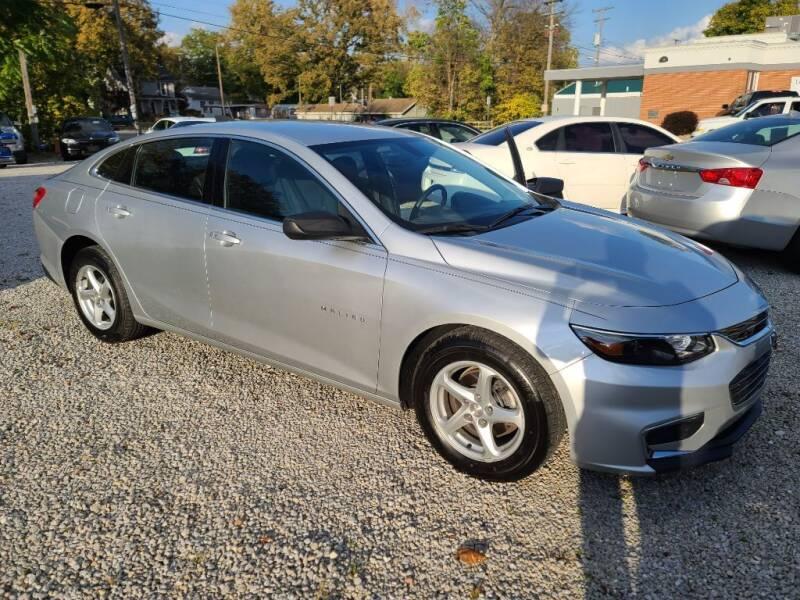2017 Chevrolet Malibu for sale at Claborn Motors, LLC. in Cambridge City IN