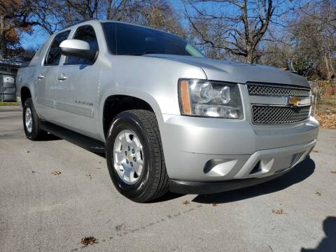 2011 Chevrolet Avalanche for sale at Thornhill Motor Company in Lake Worth TX
