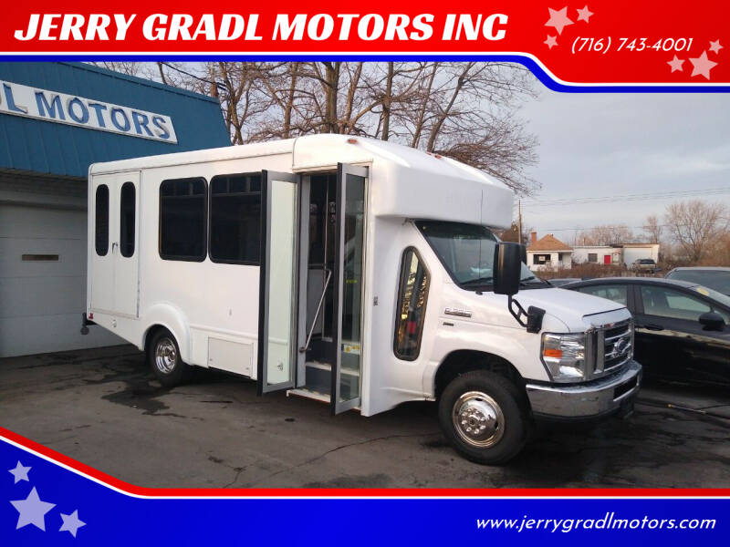 2016 Ford E-Series Chassis for sale at JERRY GRADL MOTORS INC in North Tonawanda NY