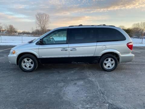 2006 Dodge Grand Caravan for sale at Caruzin Motors in Flint MI