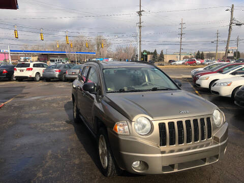 2007 Jeep Compass for sale at Drive Max Auto Sales in Warren MI