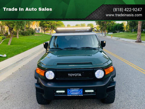 2013 Toyota FJ Cruiser for sale at Trade In Auto Sales in Van Nuys CA