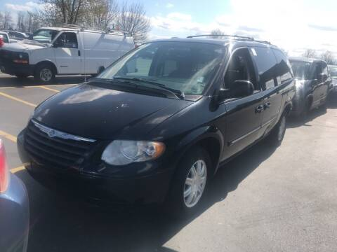 2006 Chrysler Town and Country for sale at Kansas Car Finder in Valley Falls KS